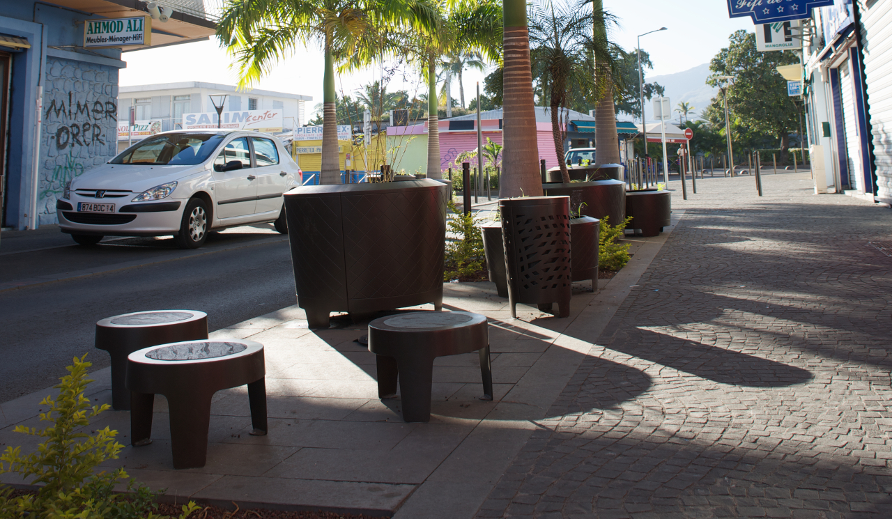 Photo of street furniture in Port, Reunion - Photograph by Golem Images