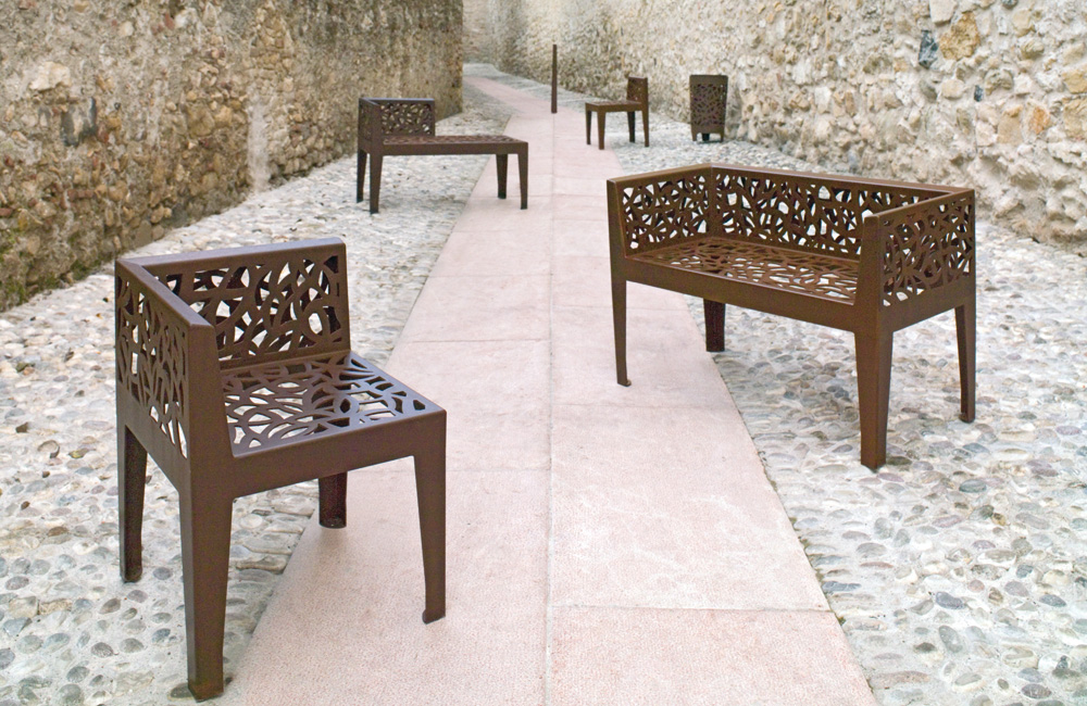 Image of Corten Style street furniture by Metalco