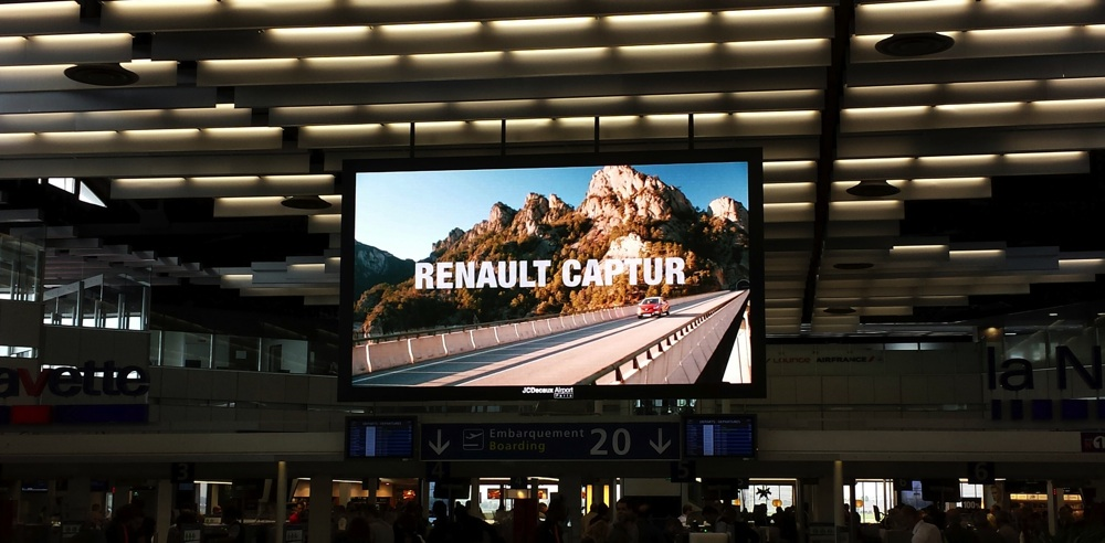 jcdecaux-screen-airport-paris