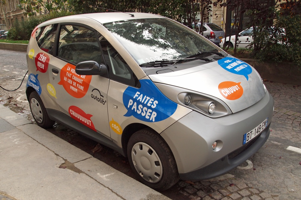 Image of self-service electric car in Lyon