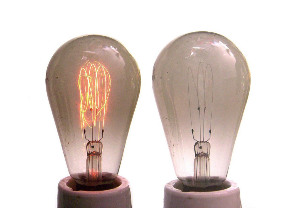 Image of light bulbs