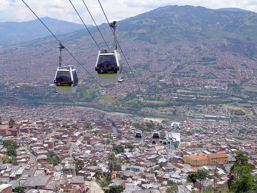 Image of cable car in Medellin, Colombia