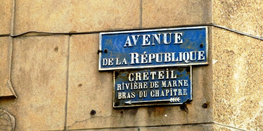 Image of street sign at Créteil