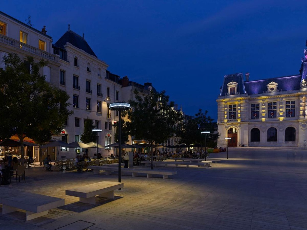 Public lighting in Poitiers