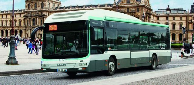 paris buses get greener the urban design observatory. Black Bedroom Furniture Sets. Home Design Ideas